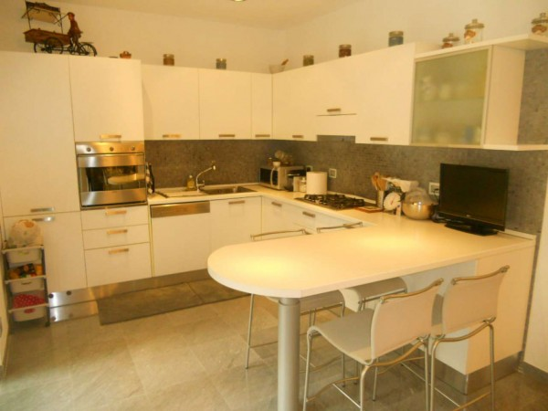 Appartamento in vendita a Rapallo, Funivia, Con giardino, 120 mq