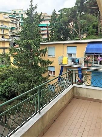 Appartamento in vendita a Rapallo, Centrale, 90 mq