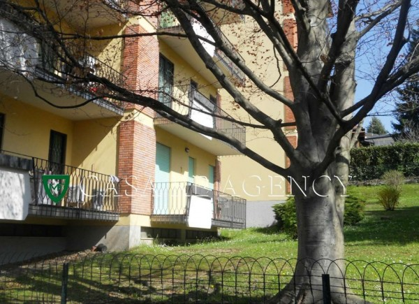 Appartamento in vendita a Varese, Con giardino, 100 mq