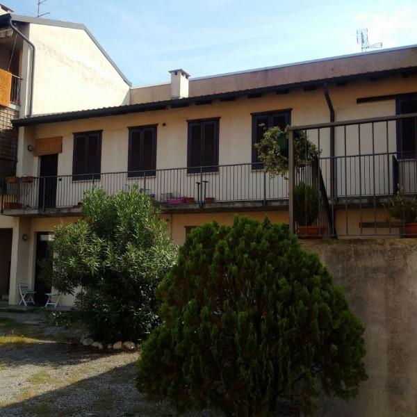 Appartamento in vendita a Gorla Minore, Ospedale, Con giardino, 92 mq