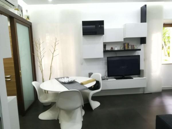 Appartamento in vendita a Napoli, 76 mq
