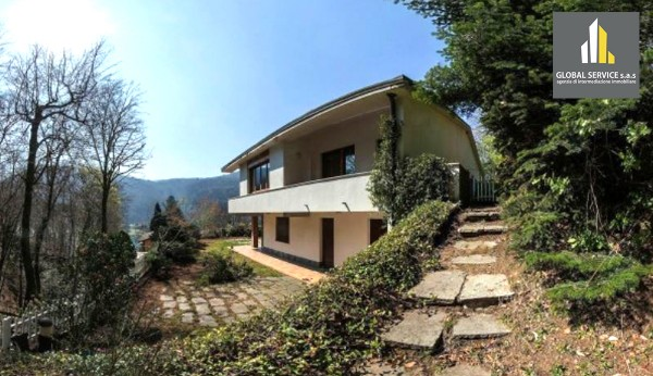 Villa in vendita a Valganna, Con giardino, 400 mq
