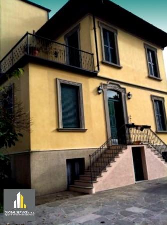 Villa in vendita a Morazzone, Con giardino, 250 mq