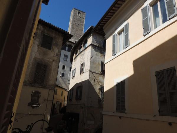 Appartamento in vendita a Spoleto, Centro Storico, 45 mq