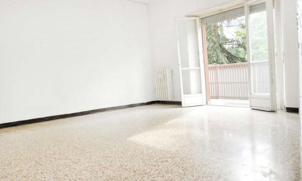 Appartamento in vendita a Milano, Lorenteggio