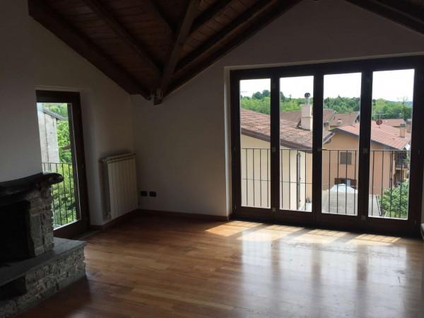 Villa in vendita a Comerio, 150 mq