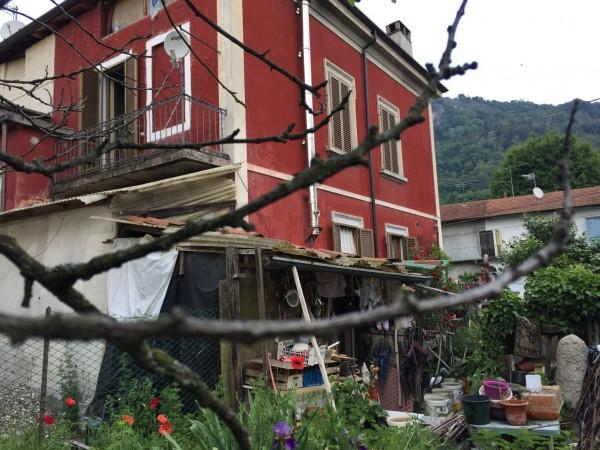 Appartamento in vendita a Sangiano, Con giardino, 180 mq