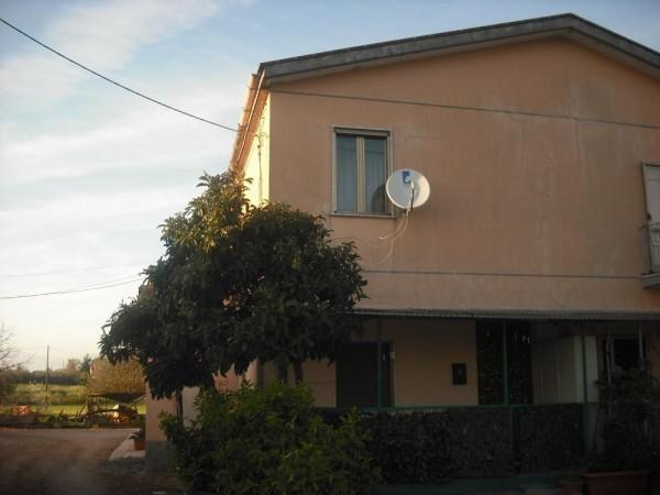 Appartamento in vendita a Capaccio, Semi Centrale, Con giardino, 60 mq