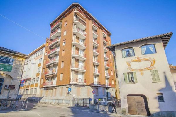 Appartamento in affitto a Varese, Piazza Motta, 160 mq