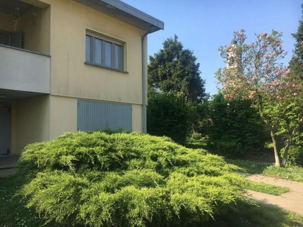 Villa in vendita a Chieve, Residenziale, Con giardino, 262 mq