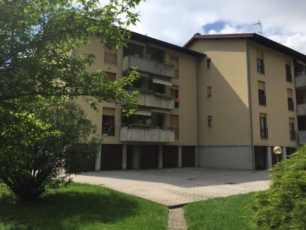 Appartamento in vendita a Laveno-Mombello, Con giardino, 80 mq