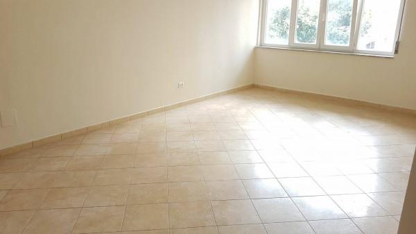 Appartamento in affitto a Somma Vesuviana, Centrale, 90 mq