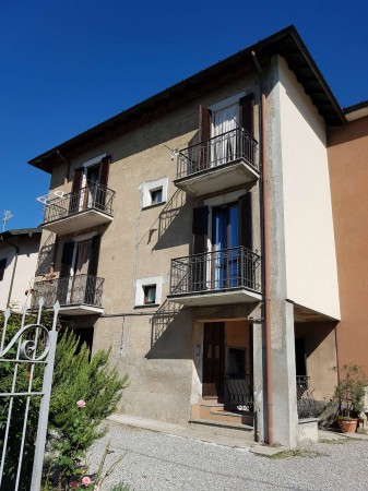 Casa indipendente in vendita a Malnate, Arredato, con giardino, 190 mq