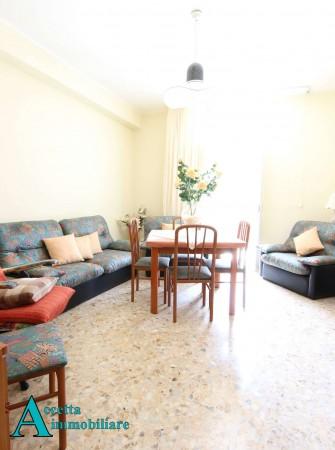 Appartamento in affitto a Taranto, Semicentrale, 78 mq
