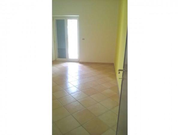 Appartamento in vendita a Aprilia, Fossignano, Con giardino, 120 mq