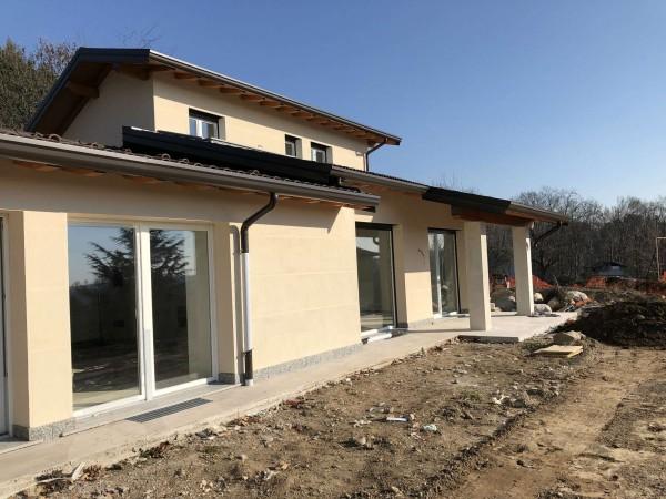 Villa in vendita a Barasso, Semicentrale, Con giardino, 150 mq