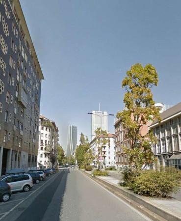 Appartamento in vendita a Milano, Tre Torri, 60 mq