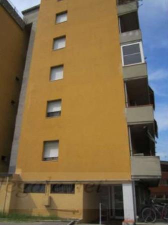 Appartamento in vendita a Prato, 216 mq