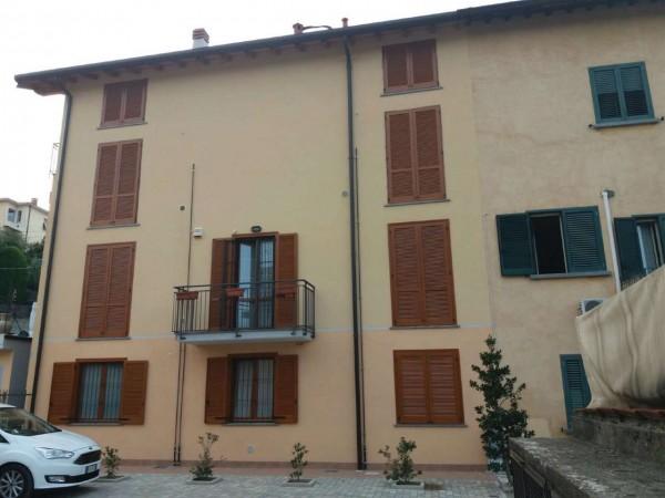 Appartamento in vendita a Varese, Giubiano, 90 mq