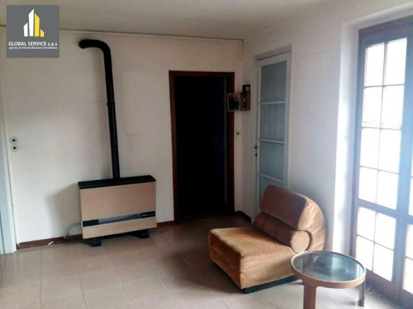Appartamento in vendita a Arcisate, 100 mq