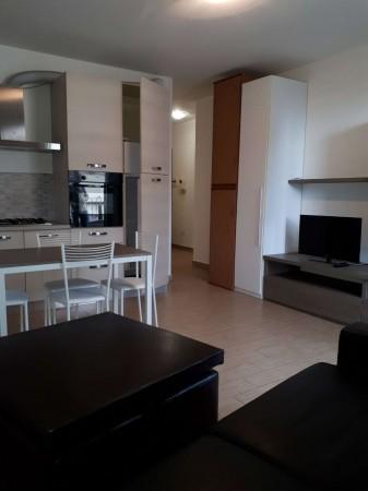 Appartamento in affitto a Garbagnate Milanese, Centro / Stazione, Arredato, 35 mq