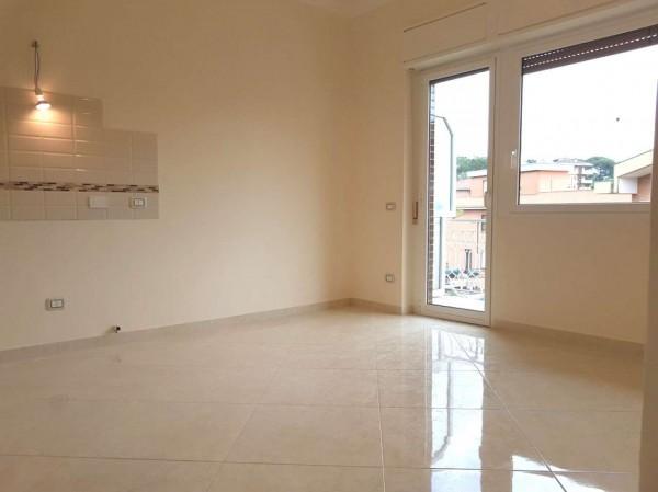 Appartamento in vendita a Roma, Pisana, Con giardino, 70 mq
