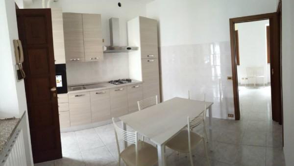 Appartamento in affitto a Muggiò, Centro, Arredato, 40 mq