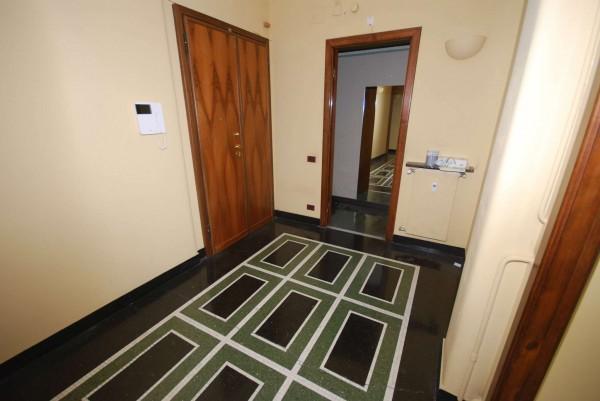 Appartamento in vendita a Genova, 187 mq