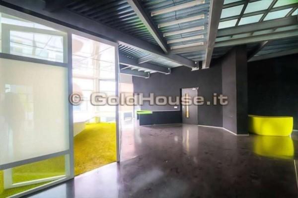 Locale Commerciale  in vendita a Milano, Ex Richard Ginori, Con giardino, 289 mq