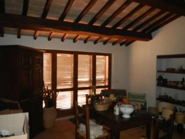 Rustico/Casale in vendita a Spoleto, Centro Storico, 400 mq