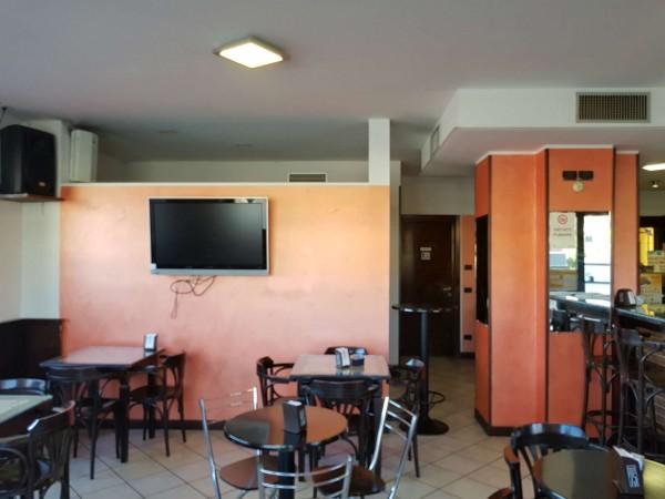 Locale Commerciale  in vendita a Tradate, Arredato, 100 mq - Foto 6