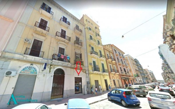 Locale Commerciale  in affitto a Taranto, Centrale, 41 mq