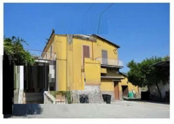 Appartamento in vendita a Lariano, 80 mq