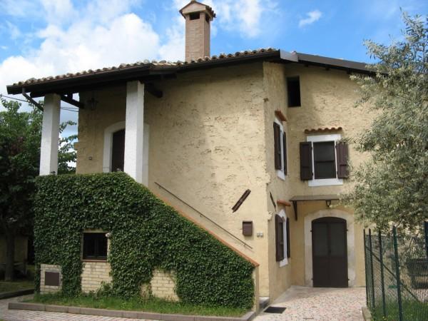 Casa indipendente in vendita a Tocco da Casauria, Contrada Pareti, Con giardino, 165 mq