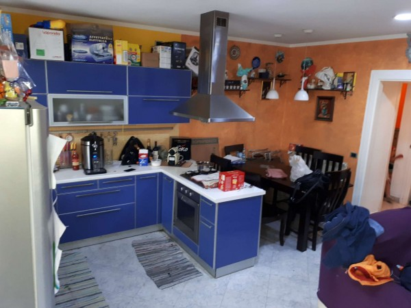 Appartamento in vendita a Cesate, Centro, 75 mq