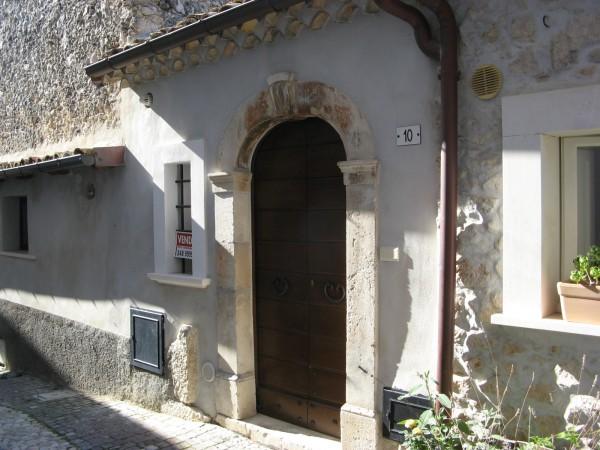 Casa indipendente in vendita a Roccacasale, Borgo Alto, 57 mq