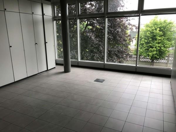 Ufficio in affitto a Nichelino, Con giardino, 500 mq