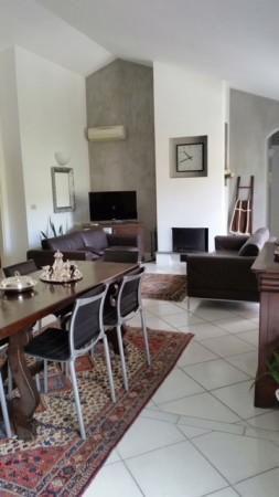 Appartamento in vendita a Imperia, 300 mq
