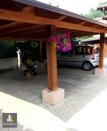Villa in vendita a Induno Olona, Con giardino, 200 mq