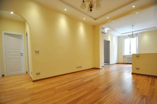 Appartamento in vendita a Genova, Sestri Ponente, 80 mq