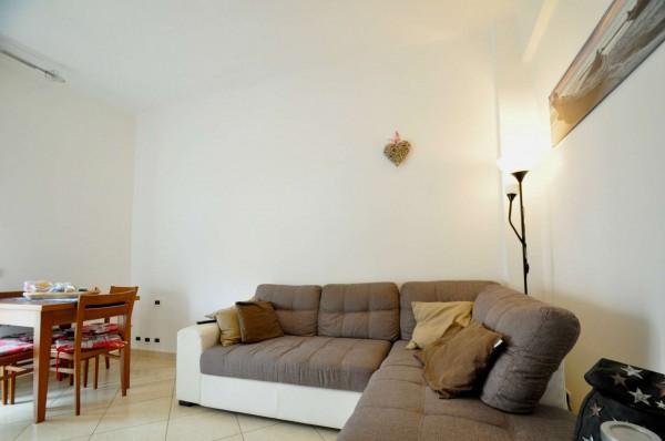 Appartamento in vendita a Genova, Sestri Ponente, 60 mq