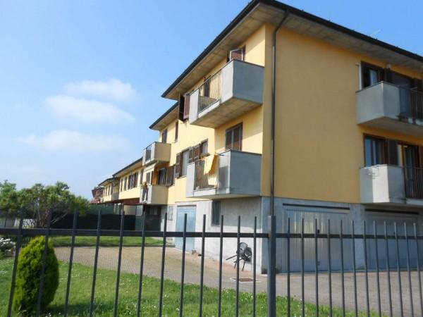 Appartamento in vendita a Boffalora d'Adda, Residenziale, Con giardino, 104 mq
