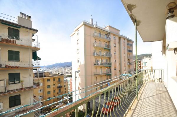 Appartamento in vendita a Genova, Sestri Ponente, 52 mq