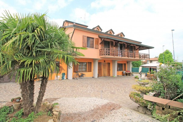 Villa in vendita a Canonica d'Adda, Scuole, Con giardino, 378 mq