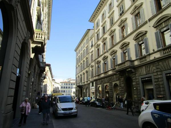 Locale Commerciale  in vendita a Firenze, Arredato, 100 mq