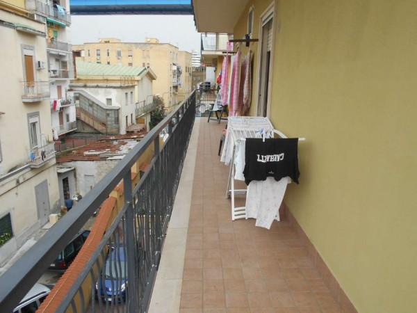 Appartamento in vendita a Napoli, 105 mq