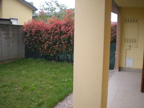 Appartamento in affitto a Vanzago, Semi - Centrale, Arredato, con giardino, 50 mq