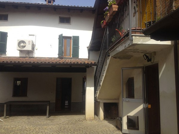 Casa indipendente in vendita a Castelspina, Centrale, 200 mq