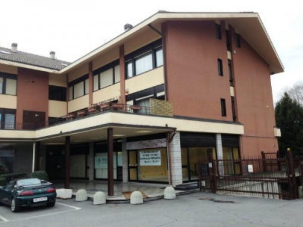 Locale Commerciale  in affitto a Alpignano, Semicentrale, 60 mq