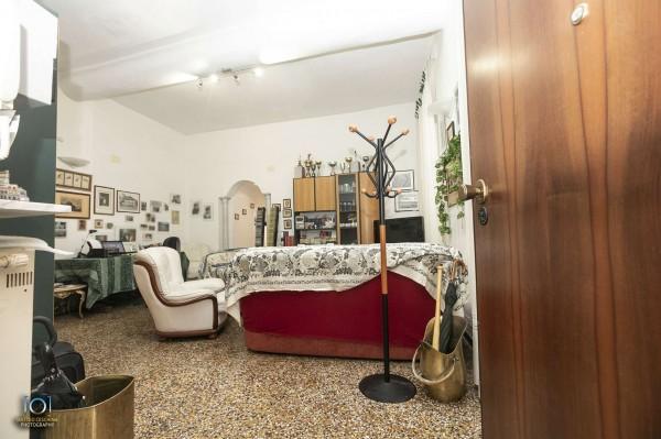 Appartamento in vendita a Genova, 120 mq